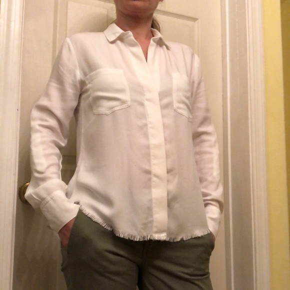 cloth & stone Tops - Cloth & Stone Raw Hem Button Down Top Size XS